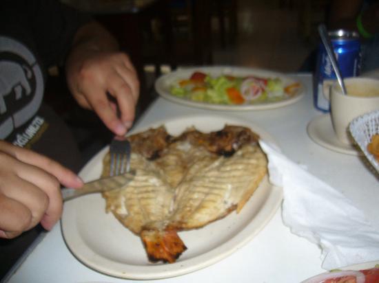 Arenas del Mar: comida de un restaurant cerca del hotel