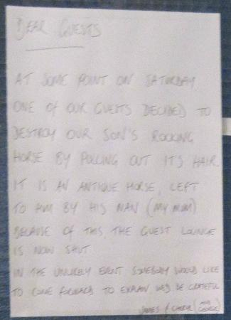 Seahaven House : Sign from 'James and Cheryl' following guest lock out from lounge