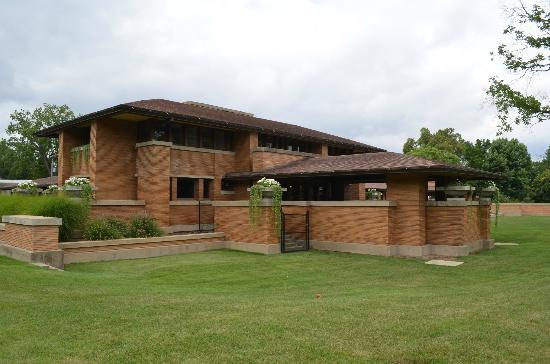 Frank Lloyd Wright's Darwin D. Martin House Complex: exterior