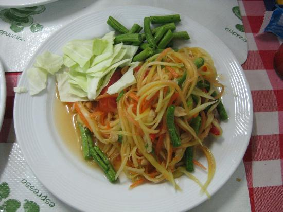 Kwong Shop Seafood: Papaya Salad