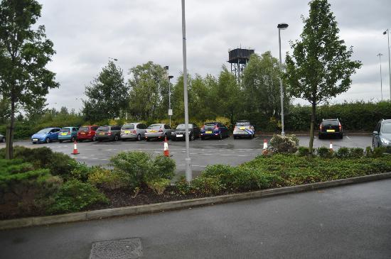Future Inn Cardiff Bay: Parking Lot