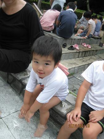 Manyo Park : 1歳8カ月児も、お湯につかれます