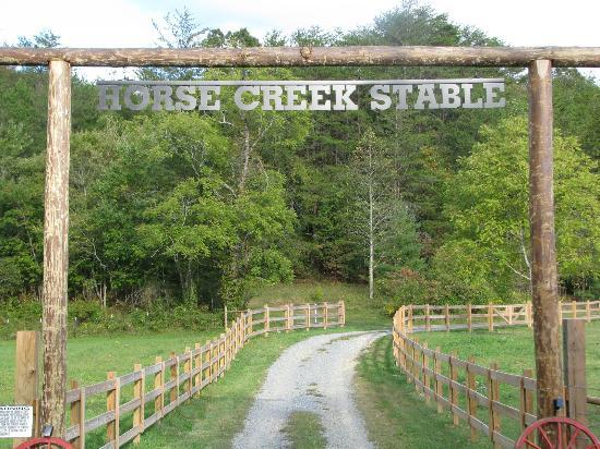 Horse Creek Stable Bed and Breakfast: Entrance