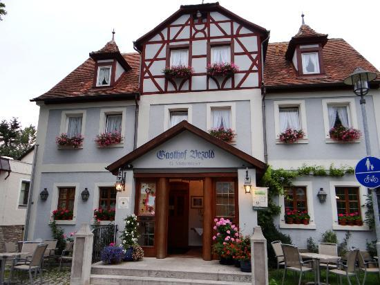 Gasthof Bezold : Charming exterior of Hotel Bezold