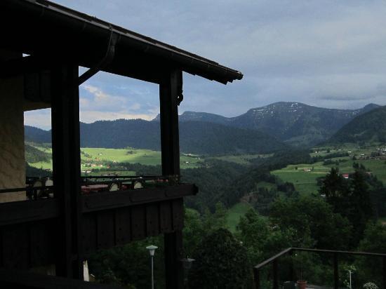 Allgauer Panoramahotel: Blick auf die Nagelfluhkette