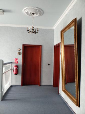 City Hotel : hallway