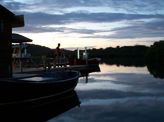 CoCo View Resort: Boat dock in the Evening