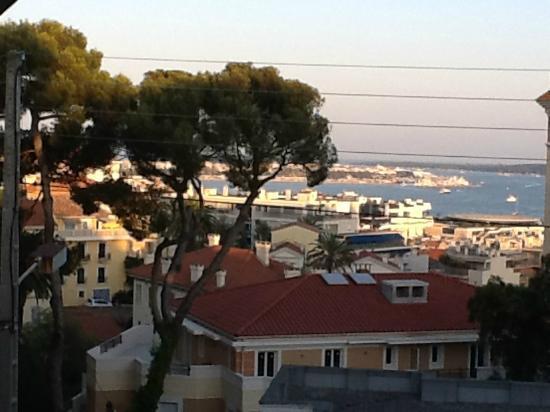 Hotel Albert 1er Cannes: Vista dalla nostra stanza