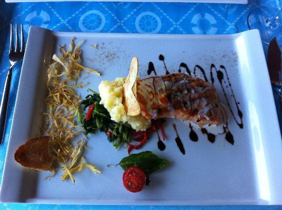 PGS Kiris Resort: Стейк из лосося в виде креветки в а-ля-карт
