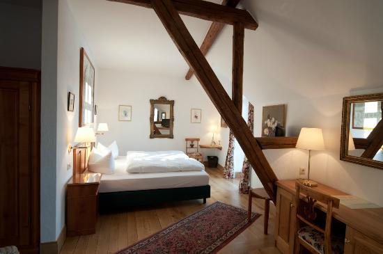 Hotel Haus Lipmann: Bedroom area of the room