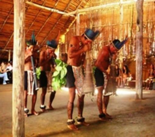 Praia do Tupé : em plena dança