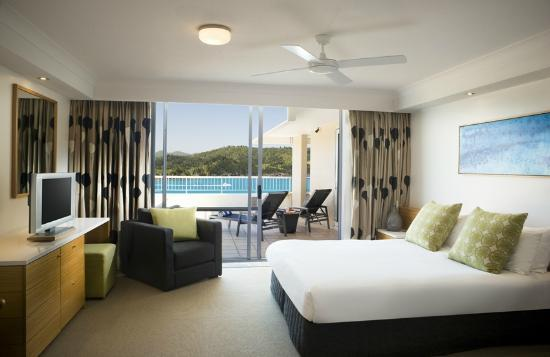 2 Bed Terrace Suite bedroom, Reef View Hotel