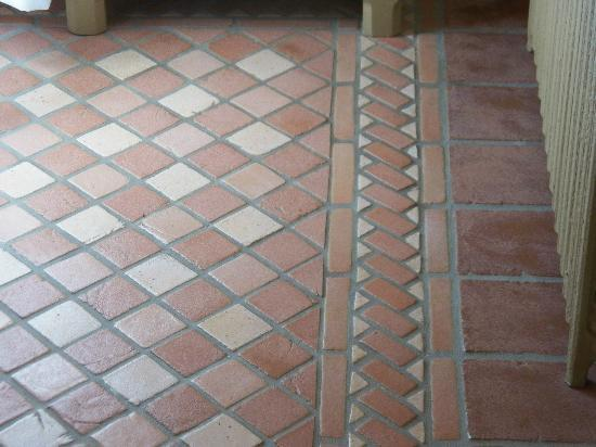 Stone House Inn & Spa: beautiful floor tiles