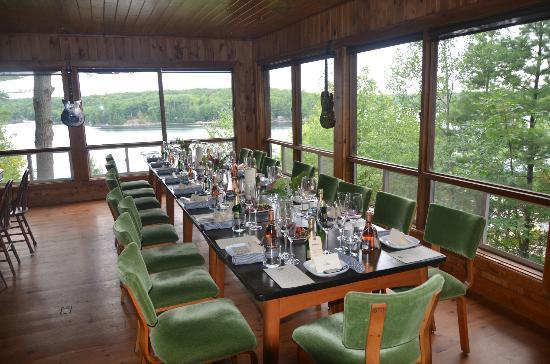 Glenn-Burney Lodge: Table ready at Glenn Burney Lodge
