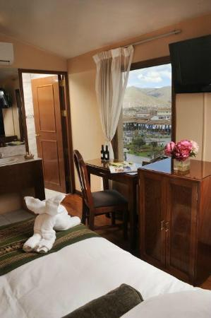 Del Prado Inn : Single room with view