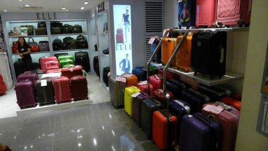 Sogo Mall(Causeway Bay) - Luggage - Picture of Sogo Mall (Causeway ...