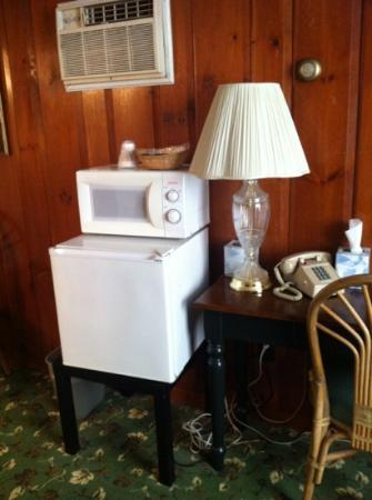 Oakwood Inn Town Motel: amenities