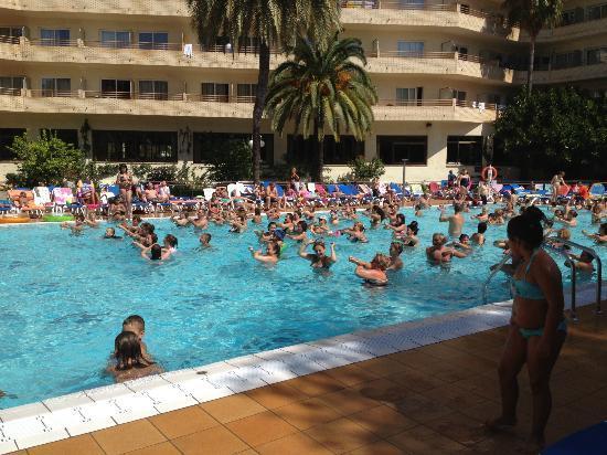 Jaime I Hotel: Piscine 2