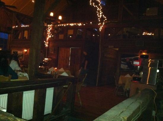 The Barn Restaurant: nice lighting