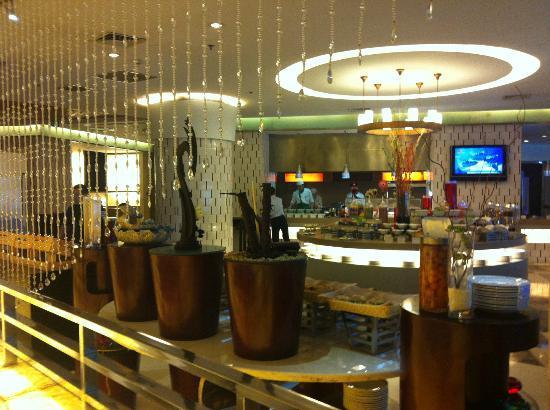 Holiday Inn Hefei Downtown: Ristorante al 2° Piano - Buffet