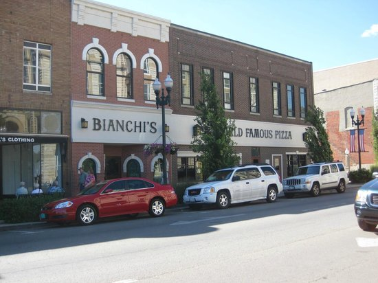 Bianchi's Pizza: Simple and Good
