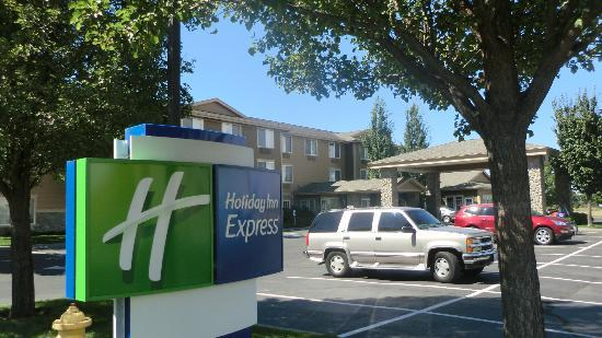 Holiday Inn Express Walla Walla: Front View