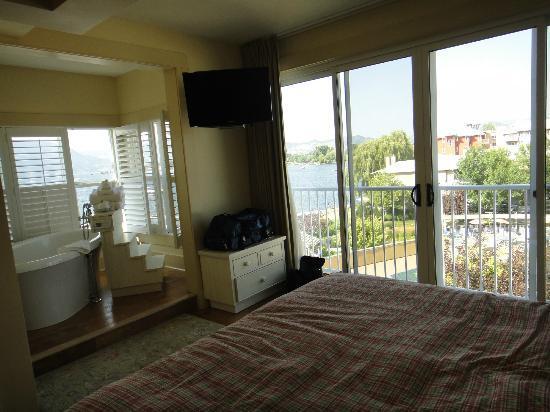 Hotel Eldorado: Master Bedroom