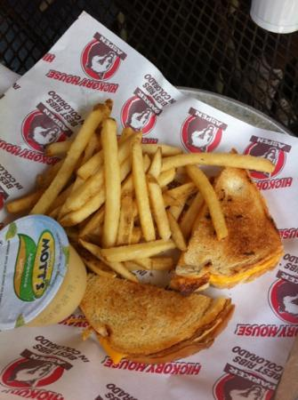 Annabelle Inn: grilled cheese from the kids menu.