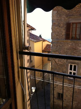 Locanda Petrella: View to the Tuscan Hills from our Room