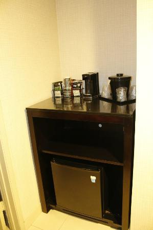 Comfort Inn & Suites Zoo / SeaWorld Area: Refrigerator