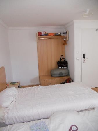 Hotel Budapester Hof : Vista de la habitación