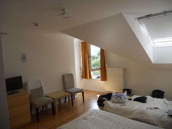 Hotel Budapester Hof: Panorámica de la habitación