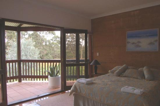 Boranup Forest Retreat: Lodge balcony bedroom