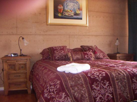 Boranup Forest Retreat: Blue Wren bedroom