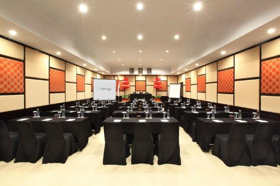 Adhi Jaya Hotel: meeting room