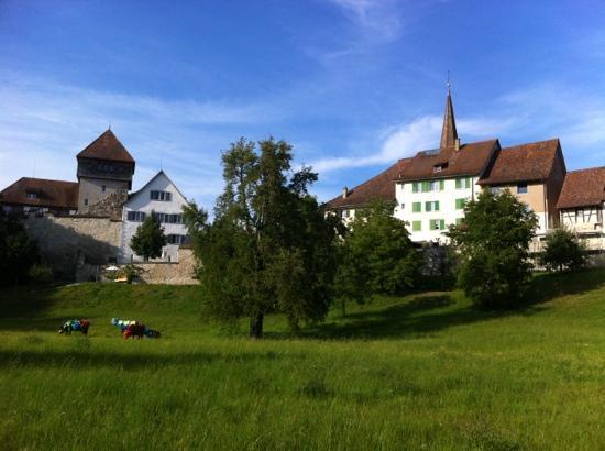 Seminarhotel Unterhof am Rhein: Park mit Schloss