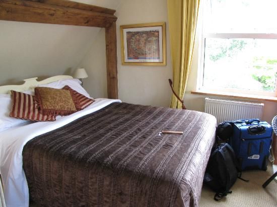 Glencairn Bed and Breakfast: big bed