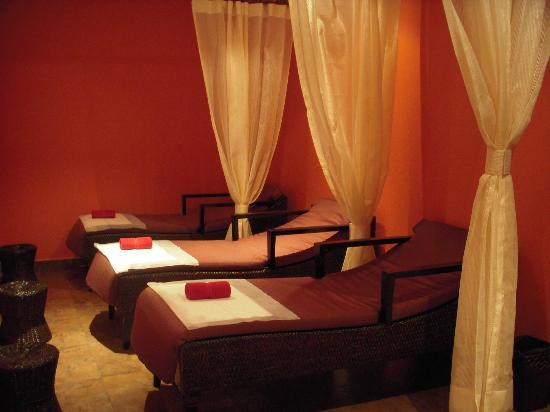 Azaaya Spa and Salon