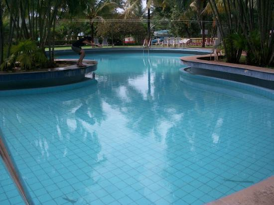 Karnala, India: Swimming Pool
