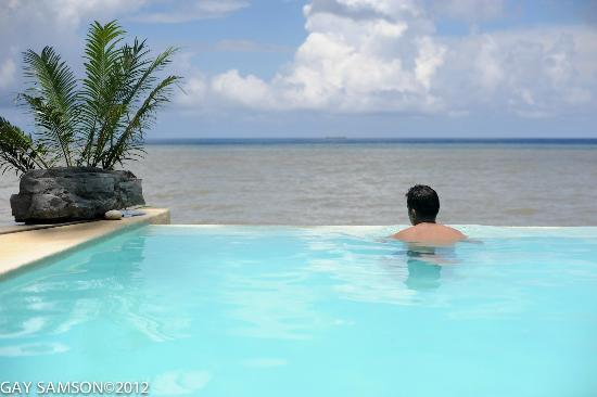 Kuting Reef : Infinity Pool