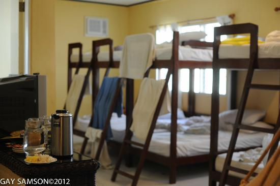 Kuting Reef: Dorm style room
