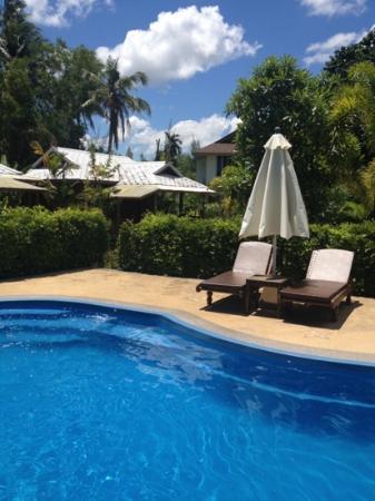 Mermaid Mansion & Thai Villa: piscina