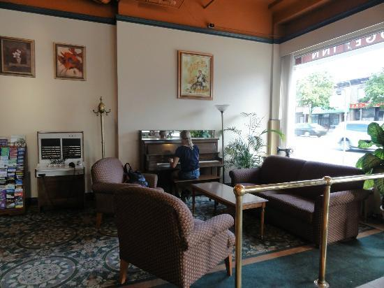 Patricia Hotel: Lobby