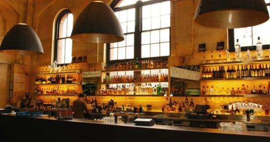 Pumphouse Bar & Restaurant: Bar Facing Area