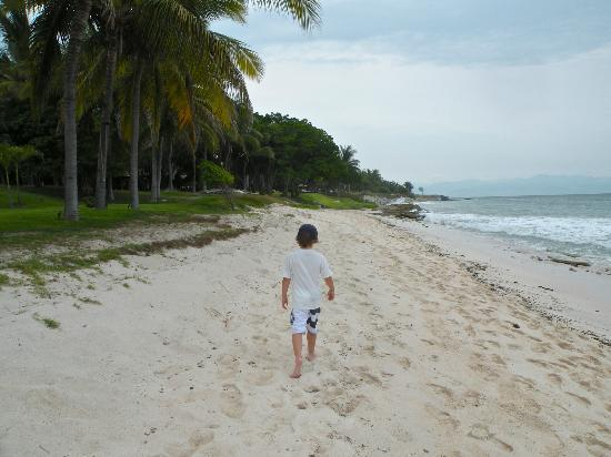 Hotel La Quinta del Sol : Beach walk