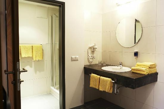 Servus Europa am Walserberg Sud: Badezimmer