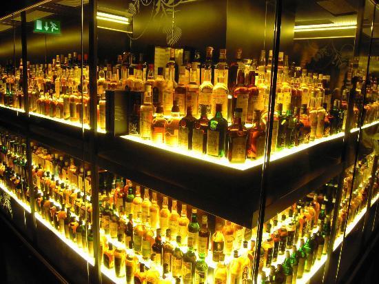 Edinburgh Scotland Scotch Tours