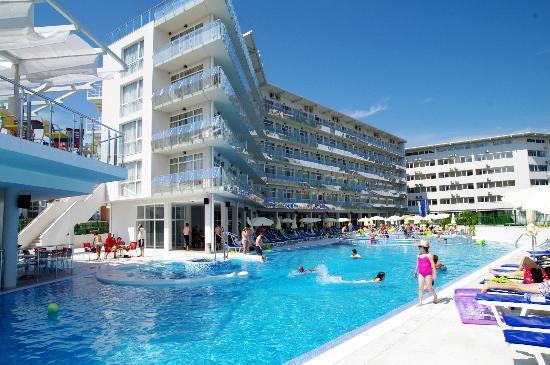 Aqua Beach Hotel Reviews