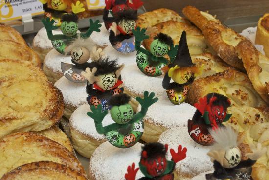 Riva Bar: Halloween style Krapfen