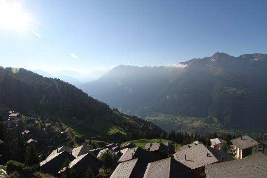 Hotel Slalom: Blick vom Südbalkon (Morgenstimmung)